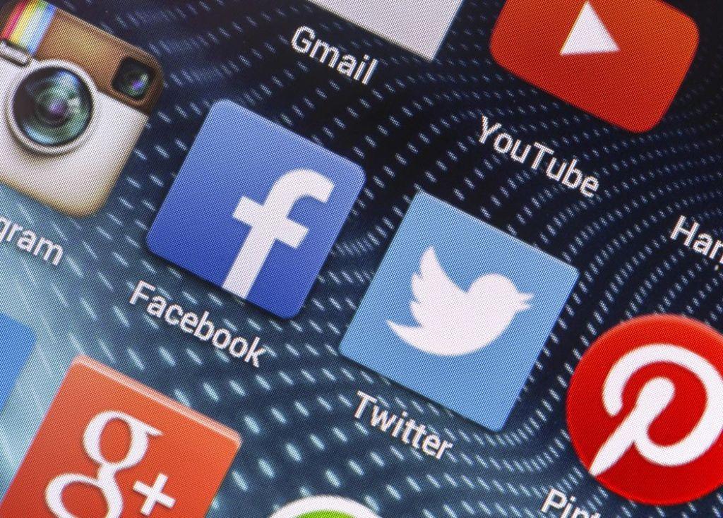 Twitter sieht in der Praxis der Regierung einen Verstoß gegen die Meinungs- und Pressefreiheit. Foto: Quka/ shutterstock