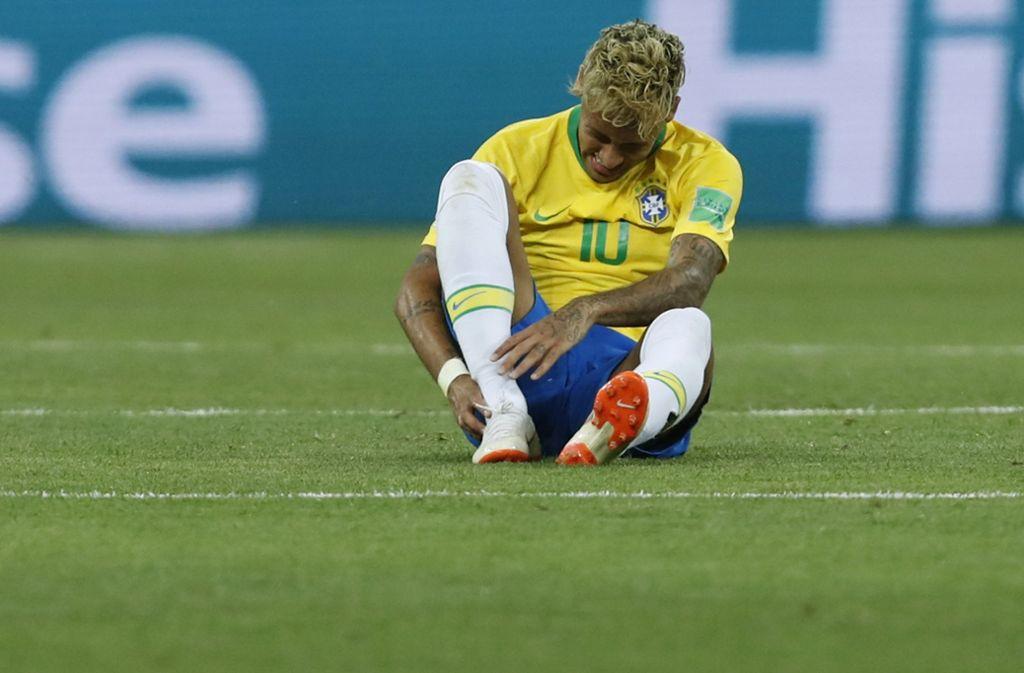 Neymar klagt über Verletzungsprobleme. Fällt er bei Brasilien aus? Foto: AP