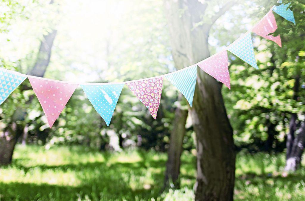 Eine nachhaltige Hochzeit oder Geburtstagsparty ohne Berge von Müll? Wer einige Tipps beachtet, kann  seiner Feier ganz einfach klimafreundlich planen. Foto: tabitazn/Adobe Stock