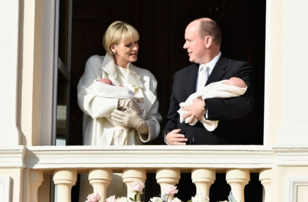 Anfang Januar haben die stolzen Eltern Charlène und Albert von Monaco ihre Zwillinge Gabriella und Jacques der Öffentlichkeit präsentiert. Am Sonntag wird der Nachwuchs im Hause Grimaldi getauft. Foto: Getty Images Europe