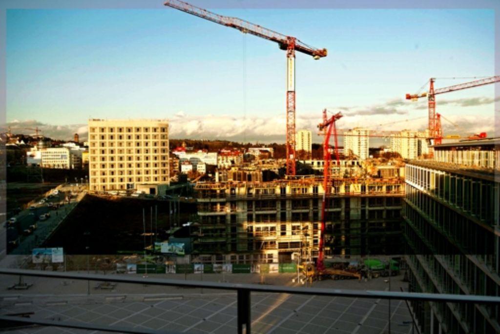 Die Pariser Höfe sind in Bau, die neue Bibliothek ist schon fertig. Foto: Achim Zweygarth