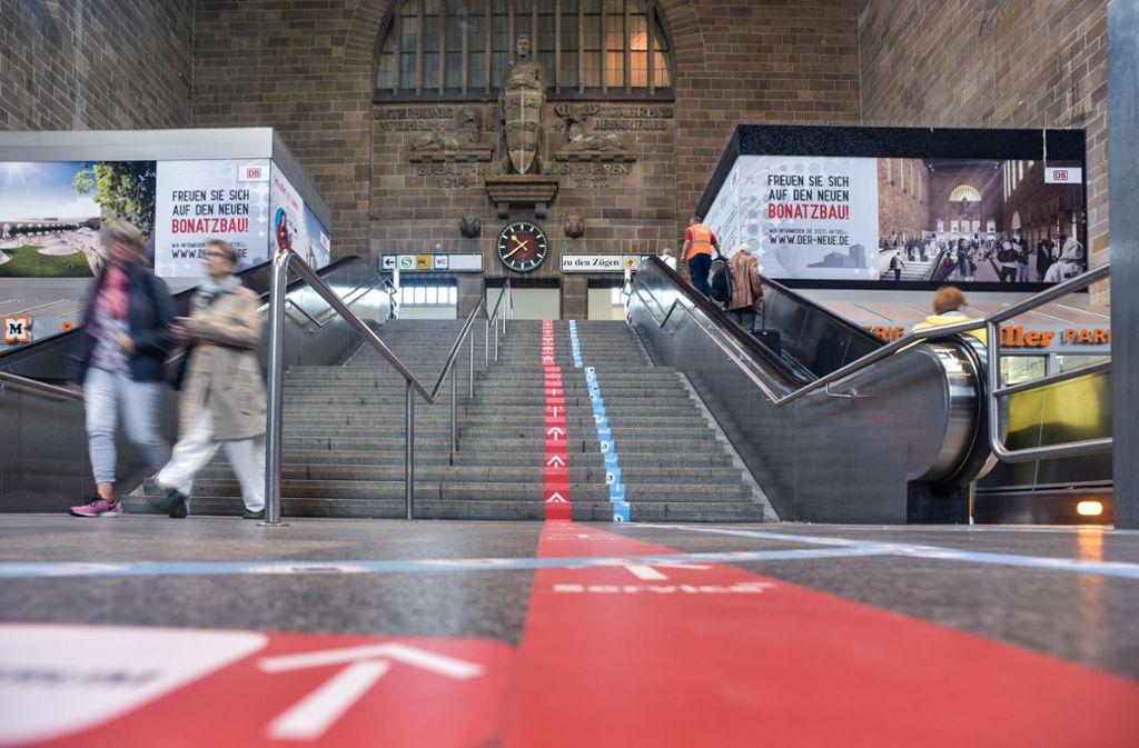 Am Stuttgarter Hauptbahnhof attackiert ein 38-Jähriger einen Mitarbeiter der öffentlichen Toiletten. (Symbolbild) Foto: Lichtgut/Max Kovalenko