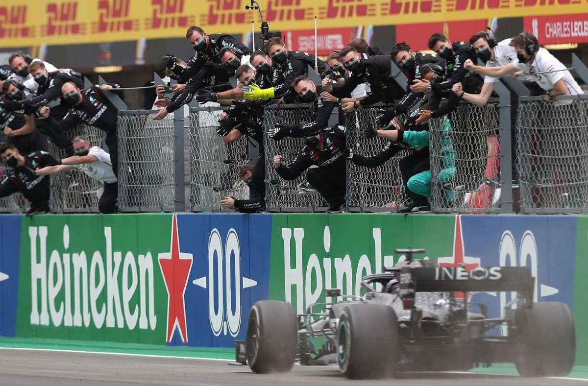 Lewis Hamilton holte sich den 92. Sieg in seiner Formel-1-Karriere. Foto: AFP/JOSE SENA GOULAO