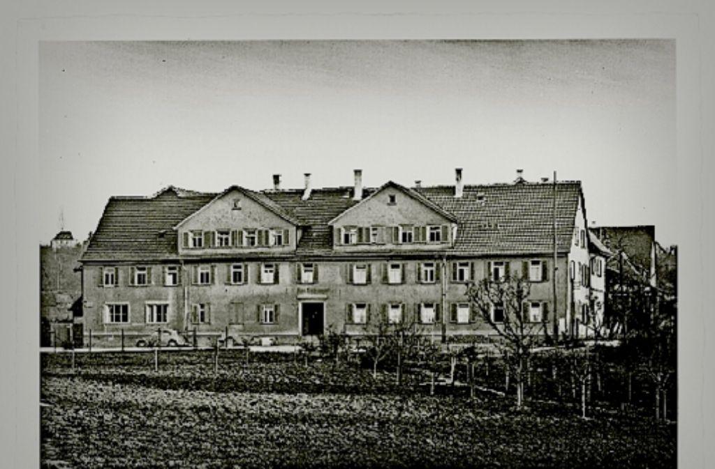 Das Korntaler Hoffmannhaus hat sich äußerlich kaum verändert – die   dort  geleistete Hilfe  hingegen unterliegt inzwischen  klaren Regeln. Foto: Stadtarchiv Korntal-Münchingen, factum/Bach