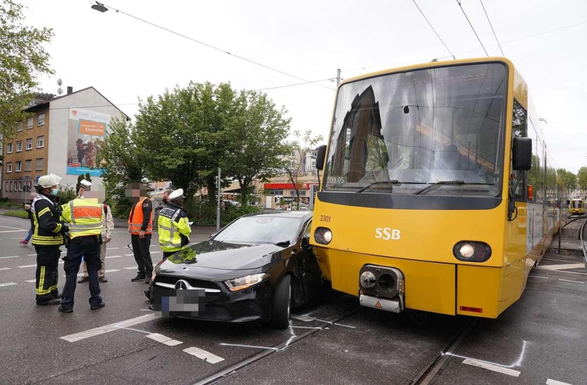 Der Unfall ereignete sich in Bad Cannstatt. Foto: Andreas Rosar Fotoagentur-Stuttgart