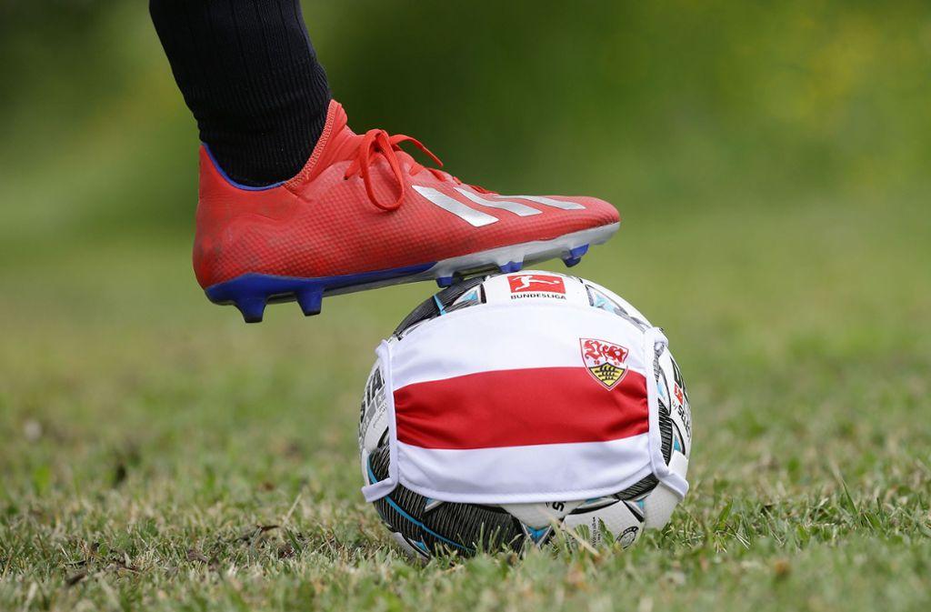 Auch beim VfB Stuttgart rollt demnächst wieder der Ball – zuvor müssen aber noch einige Fragen geklärt werden. Foto: Baumann