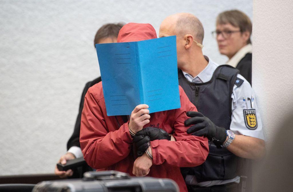 Der 20 Jahre alte Angeklagte muss sich wegen Mordes verantworten. Foto: dpa/Marijan Murat
