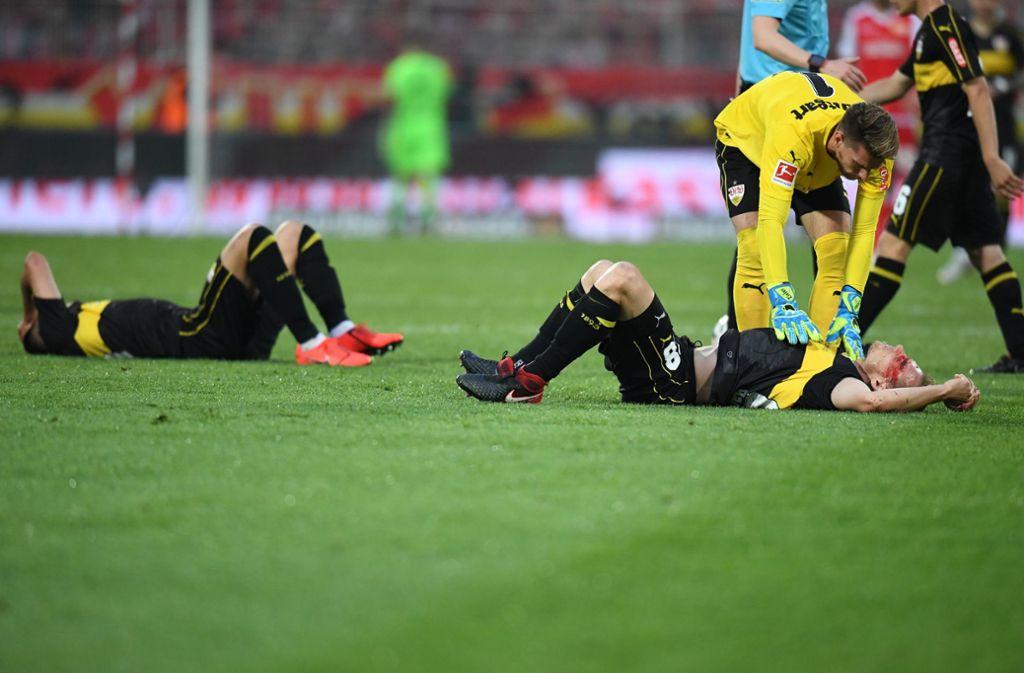 Der VfB am Boden. Auch die Marktwerte der Spieler stürzen ab. Foto: dpa