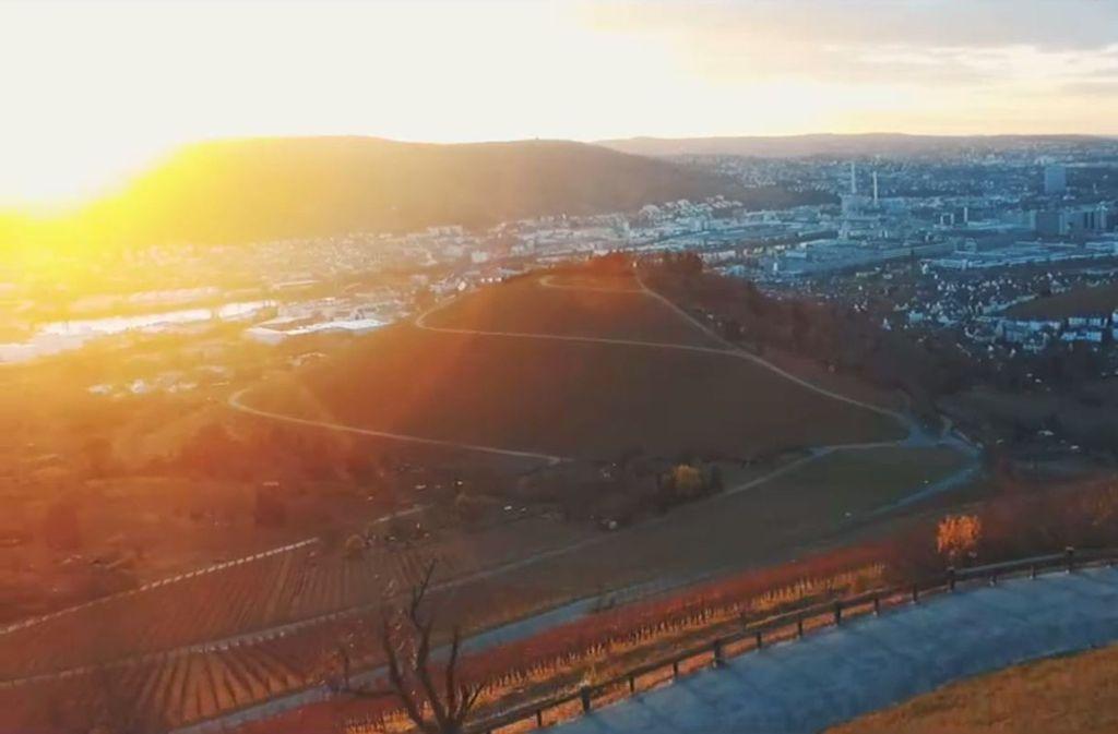 Stuttgart lieben – von Kopf bis Kessel. Ein neues Video macht auf Facebook die Runde und findet schnell Fans. Foto: Screenshot des Wandnotiz-Videos bei Facebook