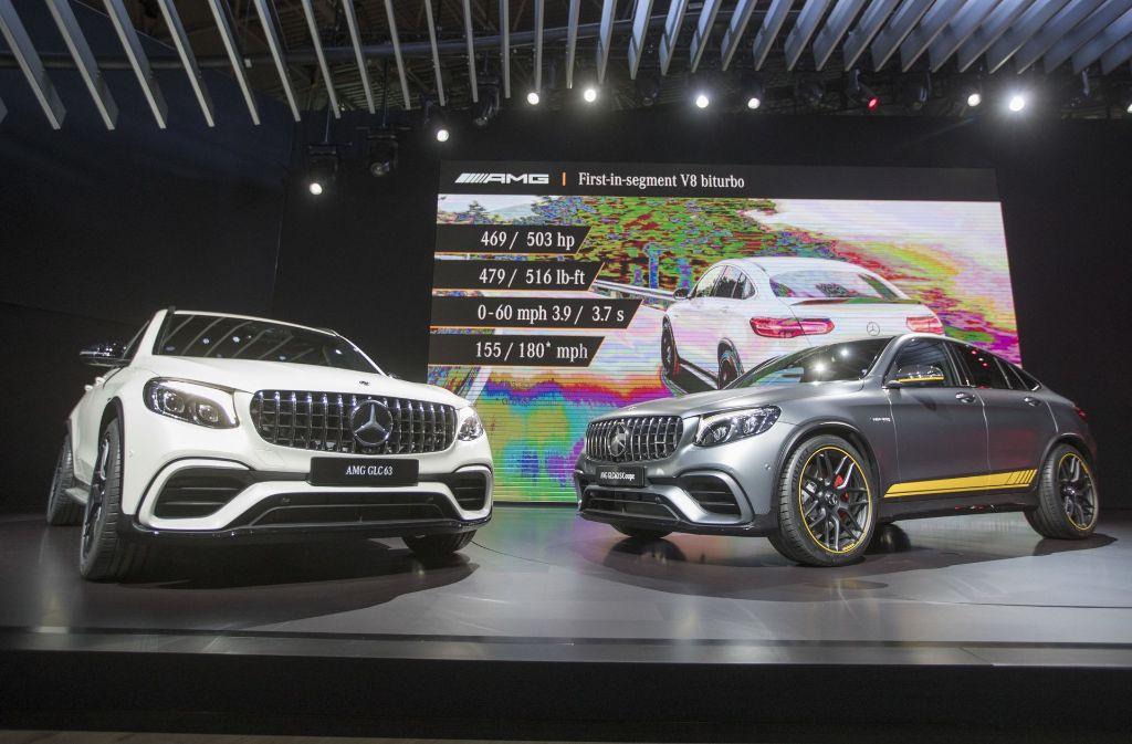 Die SUV aus Deutschland auf der New York Auto Show: Der Mercedes AMG GL63 (links) und der Mercedes AMG GL63 Coupe. Foto: AP