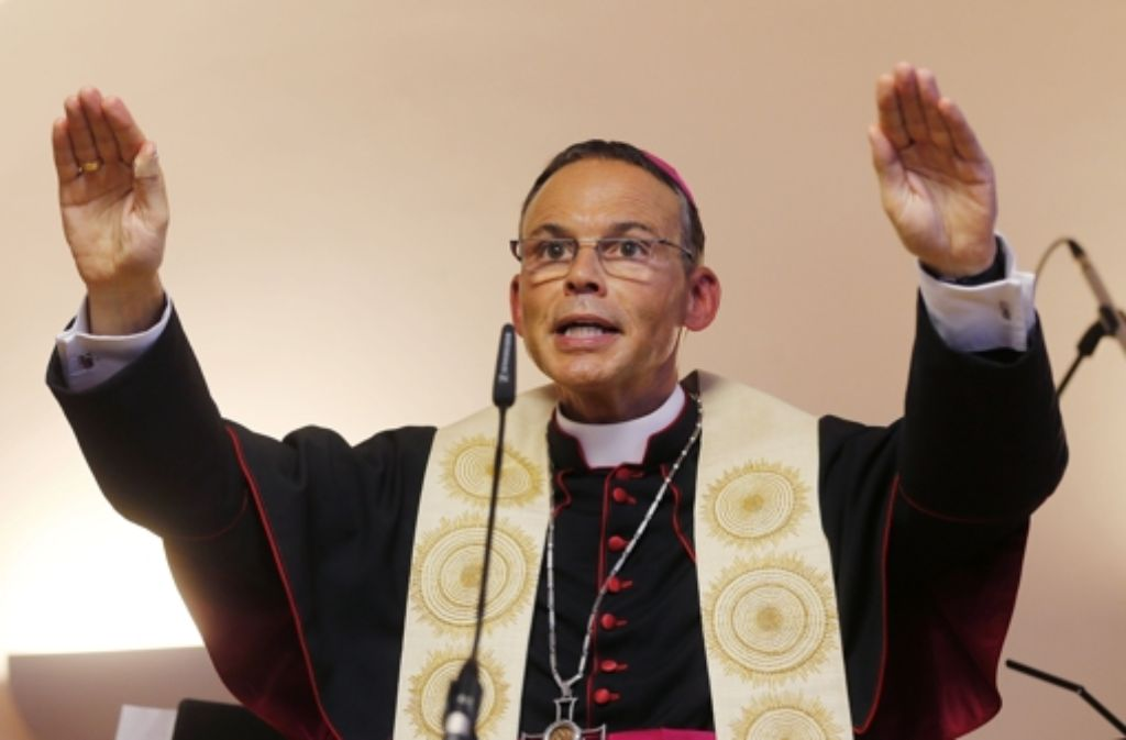 Bischof Franz-Peter Tebartz-van Elst darf  nicht nach Limburg zurückkehren. Foto: AP