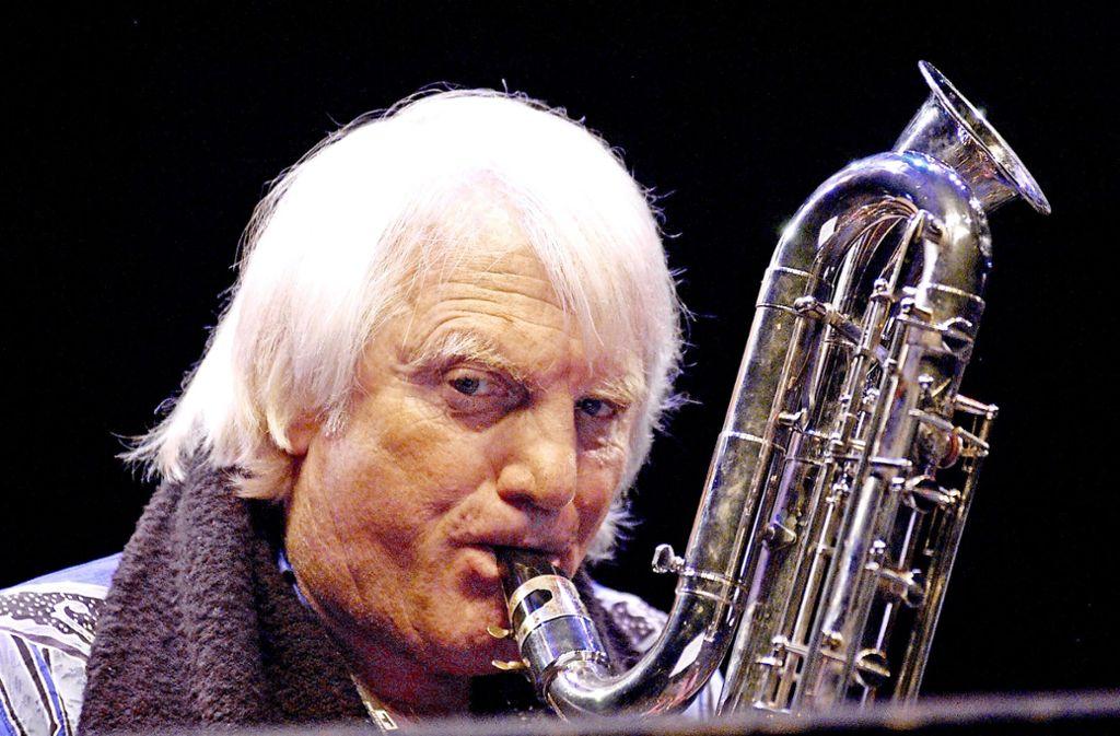 Bernd Konrad war schön öfter zu Gast bei den Jazztagen im Theaterhaus – so wie hier im Jahr 2004 Foto: Jörg Becker
