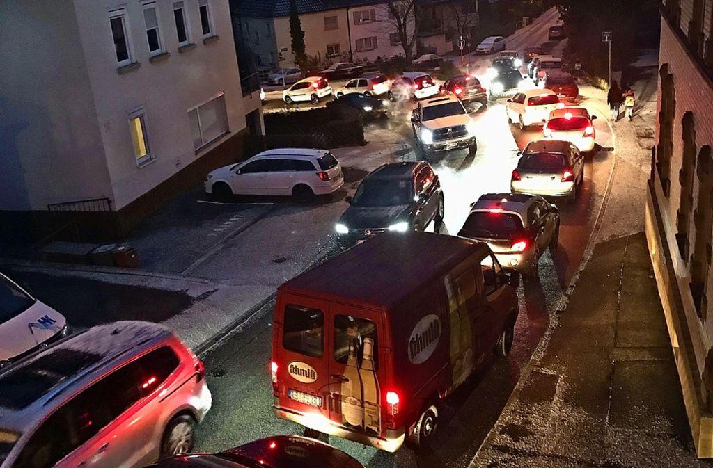 So wie am vergangenen Freitagmorgen  gegen 7.30 Uhr  sieht es auf der Vaihinger Landstraße regelmäßig aus. Foto: privat