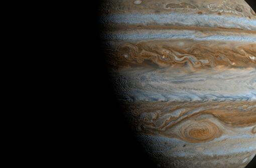 So erkennen Sie die  Riesenplaneten Jupiter und Saturn am Nachthimmel
