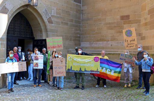 Aktivisten setzen vor Ort Zeichen