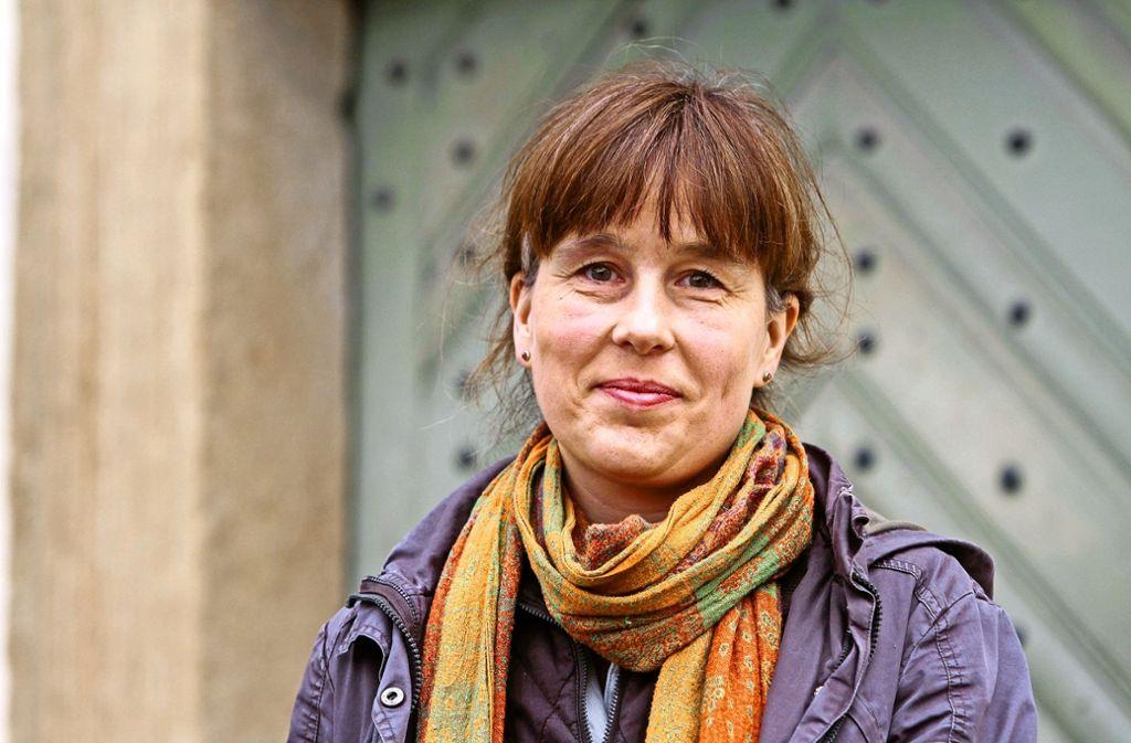 Ein verschmitztes Lächeln ist bei der neuen Ditzinger Pfarrerin Kathleen Reinicke nicht selten. Foto: factum/Bach