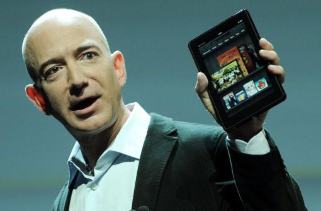 Soll nur knapp 200 Dollar kosten: Amazon-Chef Jeff Bezos bei der Präsentation des hauseigenen Tablets. Foto: dpa