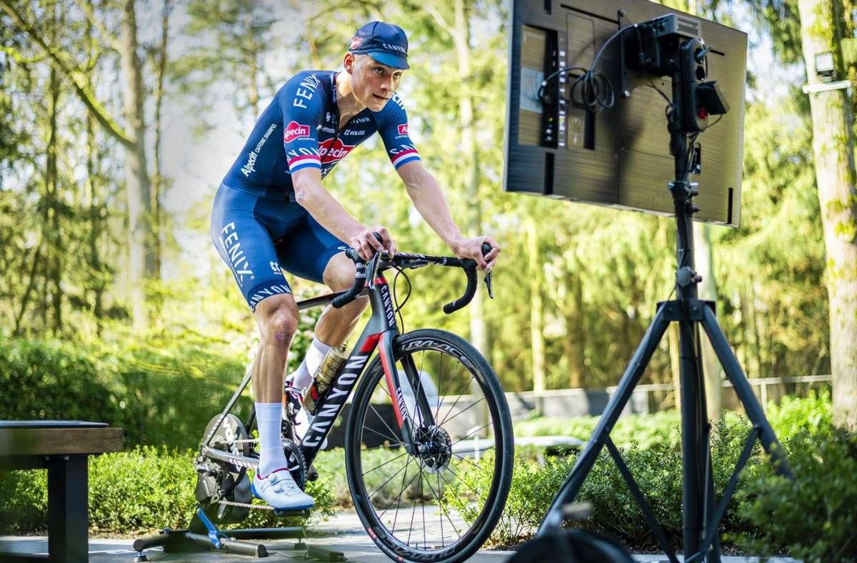 Rennen auf der Rolle: Auch Mathieu van der Poel startet bei der virtuellen Tour de France. Foto: imago