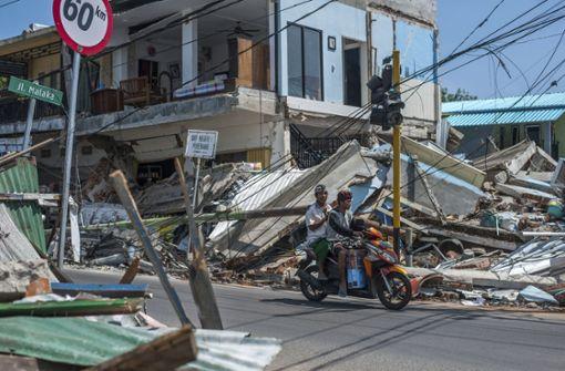 Insel Lombok wird wieder durch starkes Erdbeben erschüttert