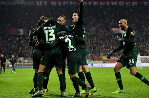 VfL Wolfsburg nach 3:2 in Augsburg auf Europakurs