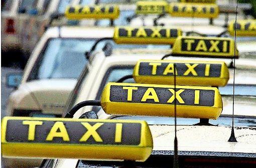 Jugendliche attackieren Taxifahrer mit Pfefferspray