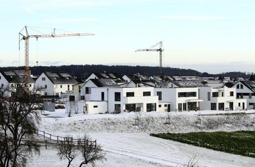 """Im Wohngebiet """"Auf der Steige"""" Foto: factum/Bach"""