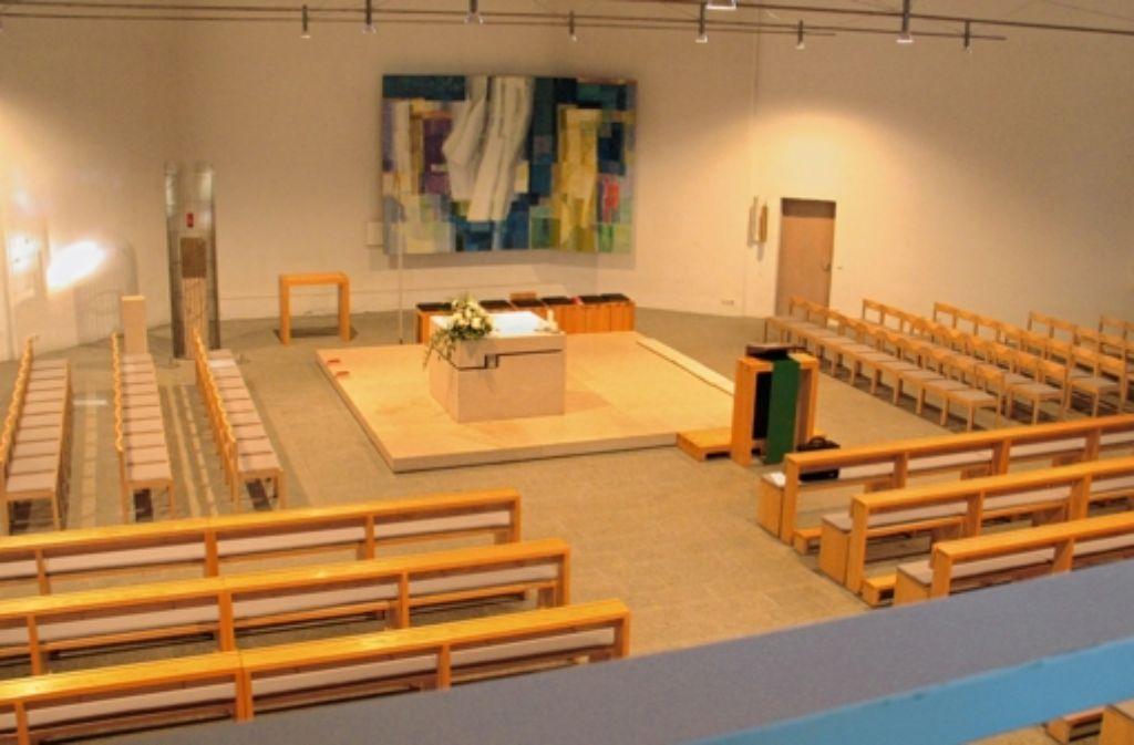 """""""Die Kirche ist wirklich zukunftsfähig"""", sagt Alois Schenk-Ziegler. Dazu gehört, dass sich das Mobiliar im Inneren des Gotteshauses schnell umbauen lässt. Foto: Judith A. Sägesser"""