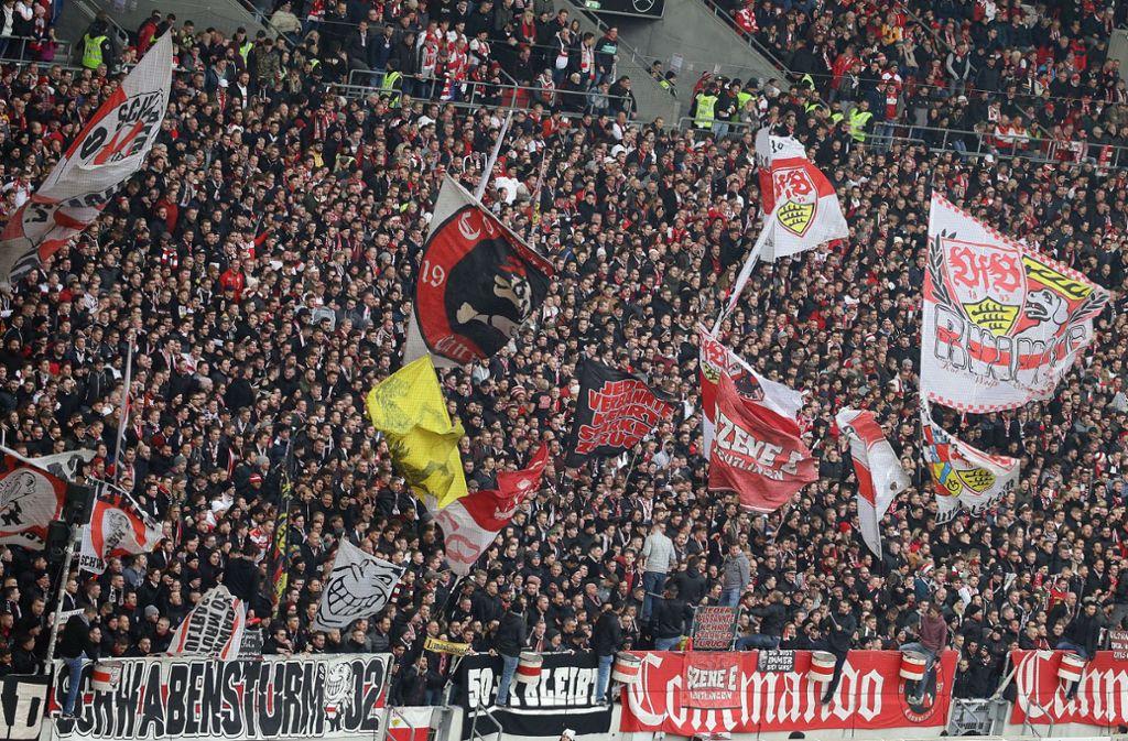 Die VfB-Anhänger waren enttäuscht vom stimmungslosen Derby. Foto: Pressefoto Baumann/Alexander Keppler