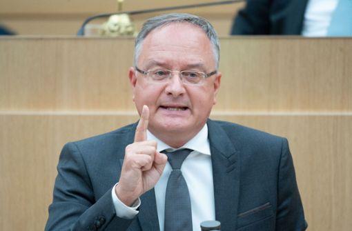 SPD kritisiert grün-schwarzen Haushaltsentwurf als unzureichend