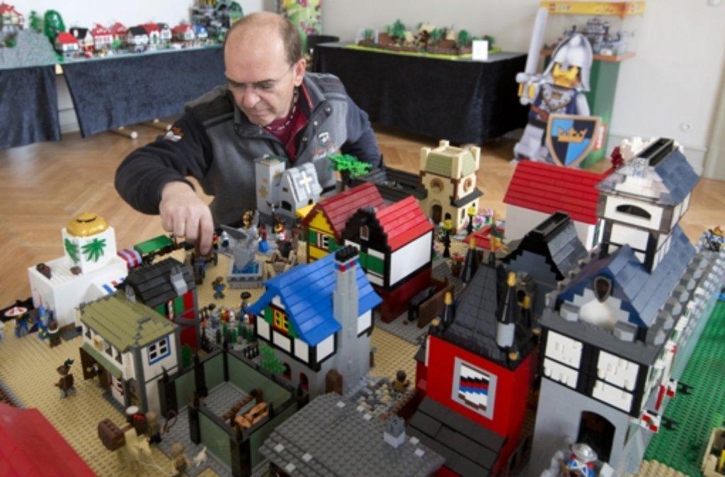 """Die Ausstellung """"Faszination Lego"""" wird an diesem Samstag in Ludwigsburg eröffnet. Foto: dpa"""