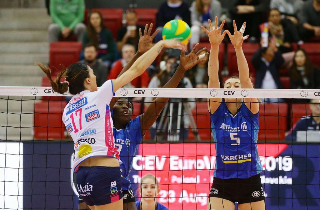 Die Volleyballerinnen des MTV Stuttgart konnten ihr Champions-League-Viertelfinalspiel nicht für sich entscheiden. Foto: Pressefoto Baumann
