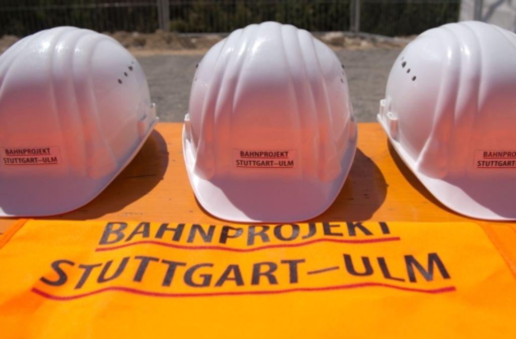 Die Diskussion, wann die einzelnen Abschnitte der neuen Bahnstrecken zwischen Stuttgart und Ulm in Betrieb gehen, dauert an. Foto: dpa