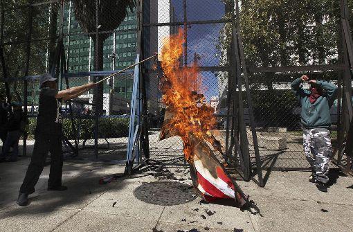 In Mexiko brennen US-Flaggen