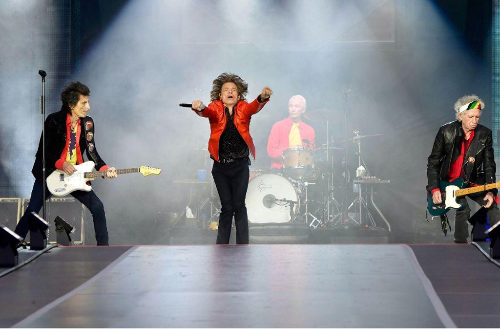 Da geht noch immer was! Die Herren Ron Wood, Mick Jagger, Charlie Watts und Keith Richards (von links) bei ihrem Auftritt in Berlin am vergangenen Wochenende Foto: AFP