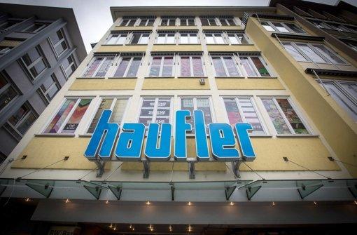 Haufler am Markt schließt sein Geschäft – ein Sinnbild für viele inhabergeführte Einzelhändler. Foto: Achim Zweygarth