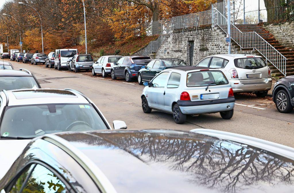 Zugeparkt: Pläne sehen vor, dass die Fuchshofstraße autofrei wird. Foto: factum/Simon Granville