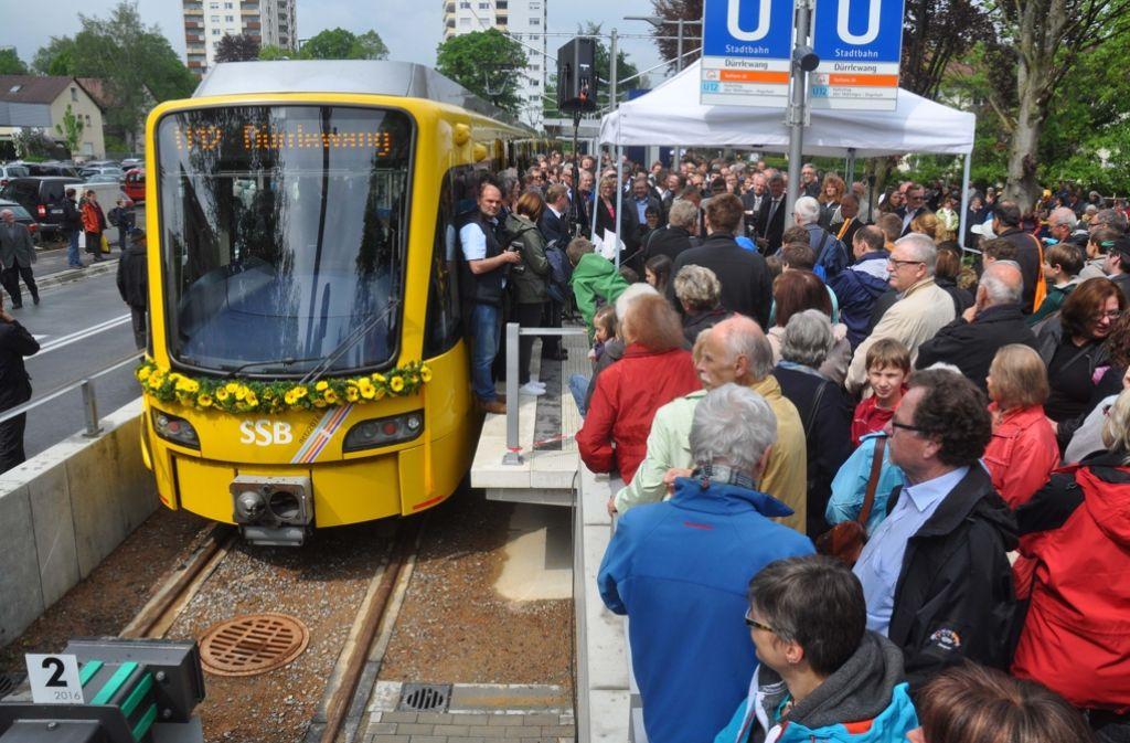 Die U12 kommt zum ersten Mal an der Endstation in Dürrlewang an. Foto: Andreas Rosar