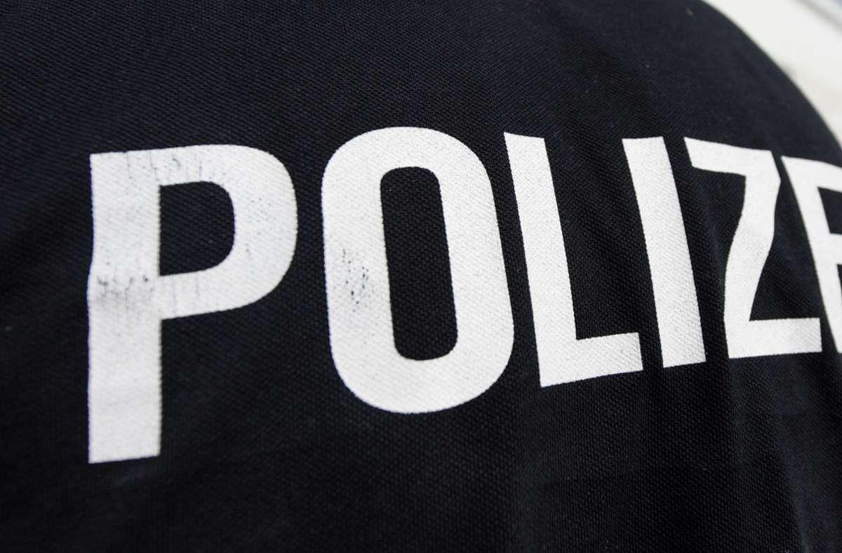 Die Polizei sucht Zeugen zu dem Vorfall (Symbolbild). Foto: dpa/Patrick Seeger