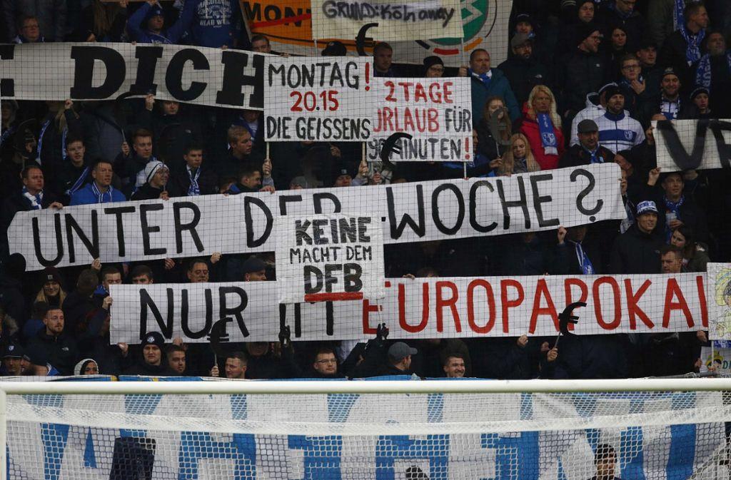 Auch in der 2. Liga wurde bereits mehrfach gegen die Montagsspiele protestiert. Foto: dpa-Zentralbild