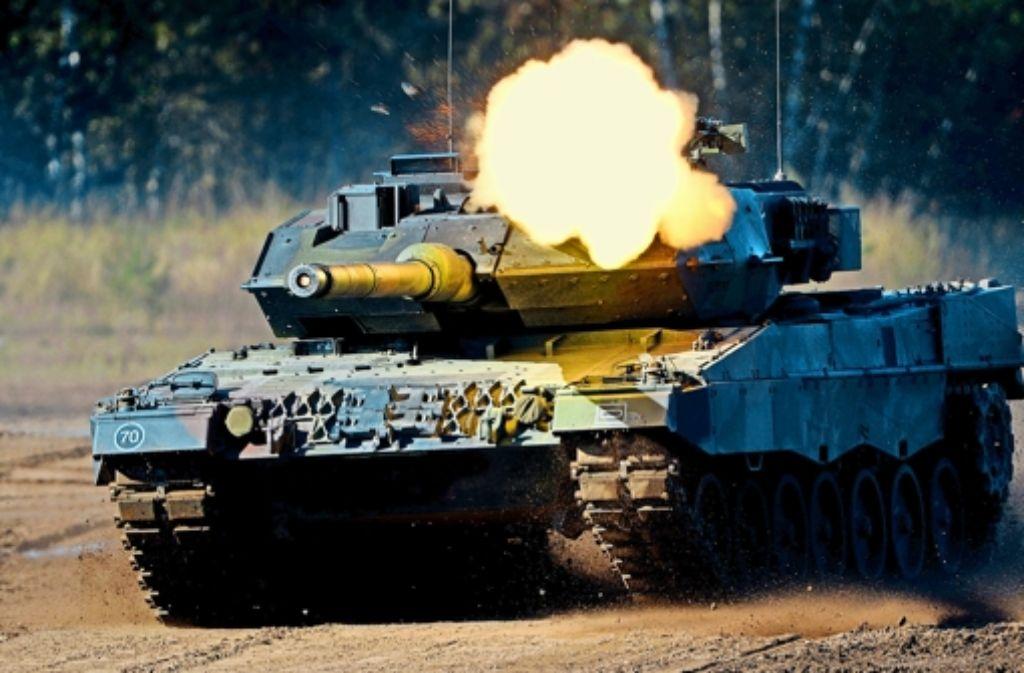 2013 Jahr sind für  gut 3,5 Milliarden Euro Panzer ins Ausland geliefert worden. Foto: dpa