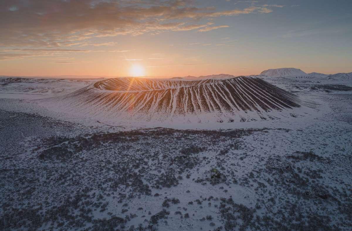Die Insel mit den mächtigen Vulkanen könnte laut Forschern in Wahrheit Teil eines Kontinents sein. Foto: imago images/Cavan Images/ via www.imago-images.de