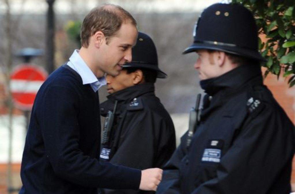 Prinz William besucht seine schwanger Frau Kate im Krankenhaus. Die Herzogin verbringt ... Foto: dpa