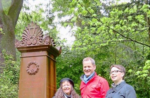 Krimiautorin setzt sich für Hoppenlau-Friedhof ein