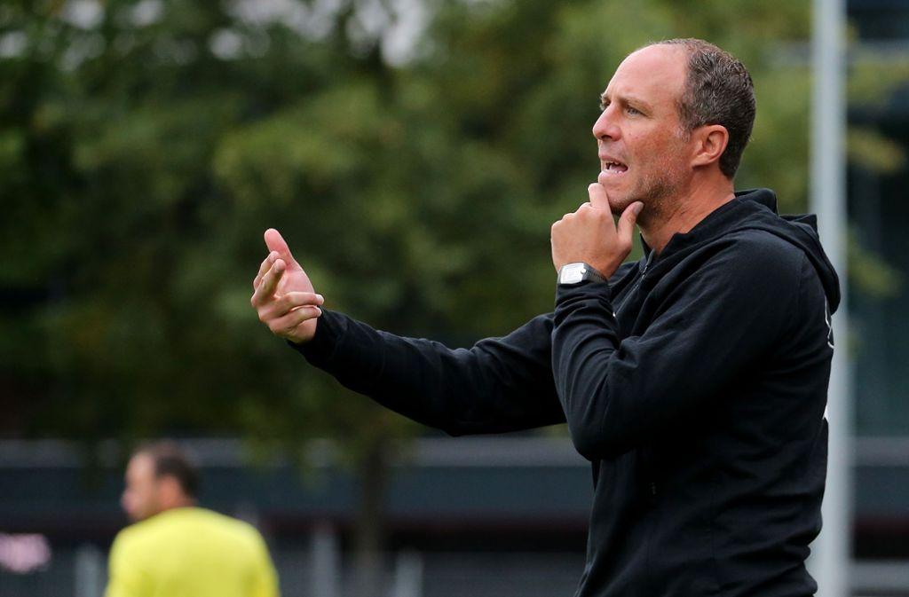 Trainer Marc Kienle und der VfB Stuttgart II verlieren in Ulm mit 1:2. Foto: Pressefoto Baumann
