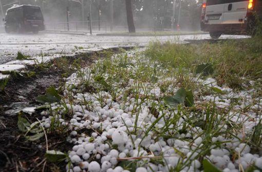 Hagel und kräftiger Regen richten Schäden in Stuttgart an