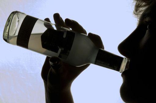 Attacke mit abgebrochenem Flaschenhals