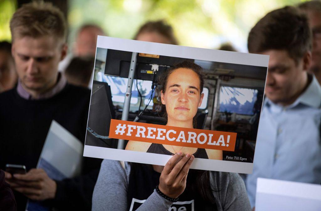 """Die deutsche Kapitänin des Rettungsschiffs """"Sea-Watch 3"""", Carola Rackete, war in Italien wegen ihres Einsatzes vorübergehend festgenommen worden Foto: AFP"""