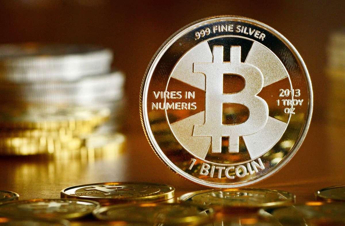 Abgesehen von kleineren Rücksetzern befindet sich die Digitalwährung Bitcoin seit Herbst vergangenen Jahres auf einem Höhenflug. Foto: dpa/Jens Kalaene