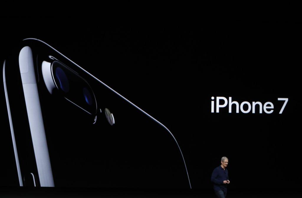 Bessere Kamera und besserer Schutz gegen Wasser: Das iPhone 7 soll laut Apple im Design fast unverändert bleiben, aber technische Innovationen mit sich bringen. Foto: Getty