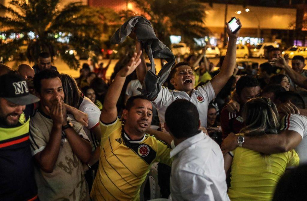 Peruanische Fußballfans feiern den Einzug ihres Teams in die Play-offs gegen Neuseeland. Foto: AFP